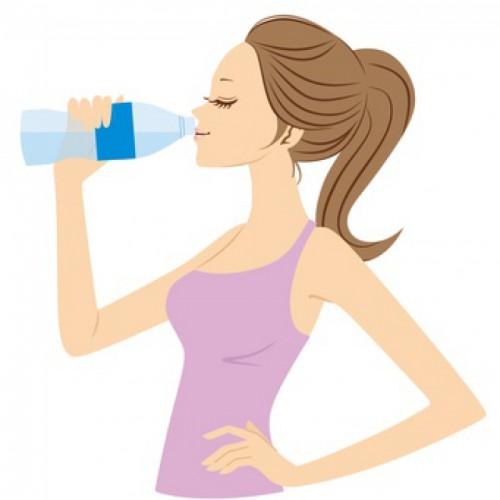 水分補給と1日の水分量の目安は?1