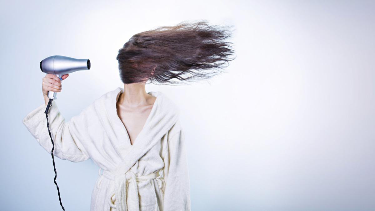 正しい髪の乾かし方を知ってますか?美髪になるおすすめのやり方